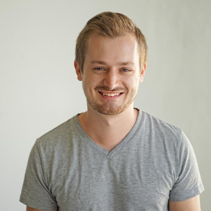 Leon Szeli, the CEO and Co-founder of the startup Presize